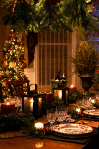 Six Ways to Avoid a Holiday Decor Disaster In Your Home in Kirkland, WA